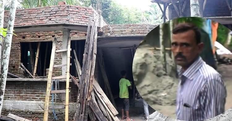 রায়পুরে সরকারি জমিতে সিএনজি বাহারের বাড়ি নির্মাণ