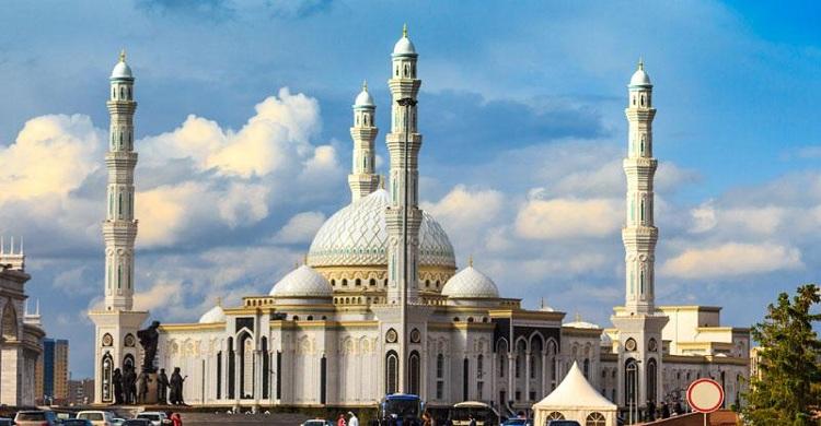 আয়তনে বিশ্বের বৃহত্তম মুসলিম দেশ কাজাখস্তান