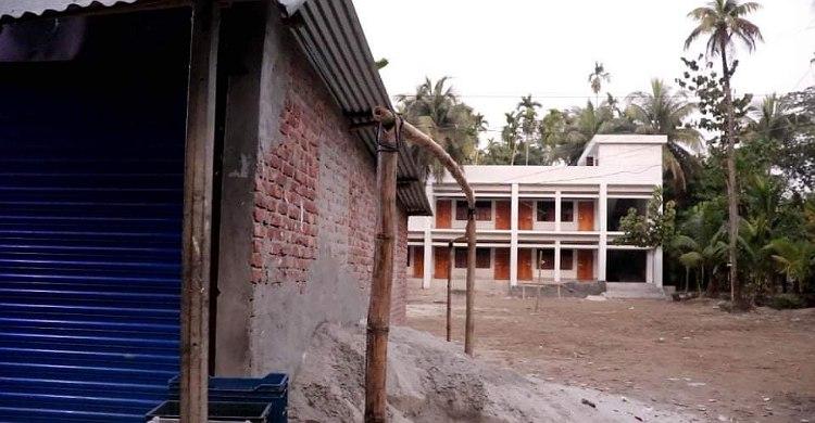 রায়পুরে সরকারি বিদ্যালয়ের জমি দখল